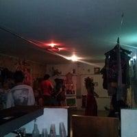 Foto tirada no(a) Comuna por Danielle S. em 4/23/2013