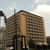 รูปภาพถ่ายที่ Divan İstanbul โดย Muhammed E. เมื่อ 6/29/2013