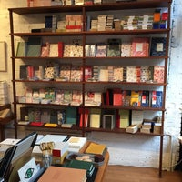 Foto scattata a McNally Jackson Store: Goods for the Study da Juliana P. il 9/9/2018