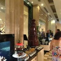 7/14/2013 tarihinde Tatyana M.ziyaretçi tarafından Mosaic Restaurant'de çekilen fotoğraf