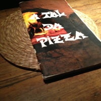 Photo taken at A Tal da Pizza by Rodrigo S. on 2/28/2013