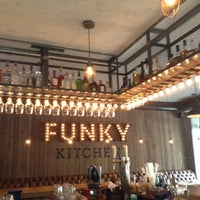 Снимок сделан в Funky Kitchen пользователем Ольга А. 9/5/2013