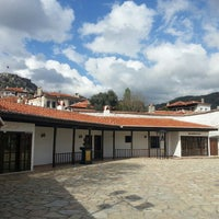 Photo taken at Orta-Müştakbey Mahallesi Muhtarlığı by Tolga H. on 4/11/2014