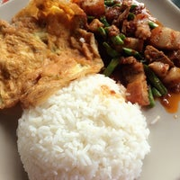 Photo taken at ร้านข้าว ปากซอยนวลจันทร์ 54 by AnnNy◡̈🐱 S. on 10/21/2014