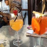 Das Foto wurde bei Cabiria Lounge Bar von Joanna V. am 4/12/2013 aufgenommen