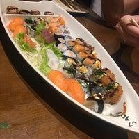 Foto tirada no(a) Inazuma Sushi por Rodrigo P. em 3/3/2018