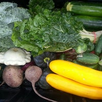 Foto tirada no(a) Urban Harvest Farmers Market por Geri D. em 6/15/2013