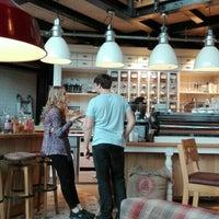 Das Foto wurde bei Brügmanns Kaffeehaus von Daniela R. am 5/14/2016 aufgenommen