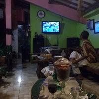 Photo taken at Hotel & Resto Bintang Redannte by Geri M. on 5/10/2013