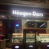Photo taken at Häagen-Dazs by Charles A. on 2/26/2016