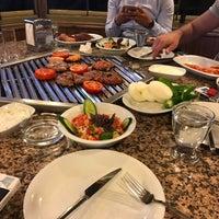 Photo prise au Evita Mangalbaşı & Cafe & Bar par Ufuk A. le5/2/2018