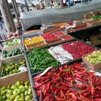 Foto tirada no(a) Mercado Municipal Kinjo Yamato por marciom em 2/11/2013