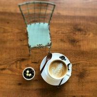 Das Foto wurde bei Coffee Caramel von Ayhan A. am 3/31/2016 aufgenommen