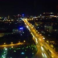 9/29/2014 tarihinde Mikhail M.ziyaretçi tarafından The Ritz-Carlton, Almaty'de çekilen fotoğraf