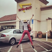 Photo taken at In-N-Out Burger by Phil Thomas D. on 5/16/2013