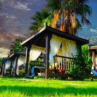 4/14/2014 tarihinde Mukarnas Spa Resort Hotelziyaretçi tarafından Mukarnas Spa Resort Hotel'de çekilen fotoğraf