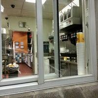 Foto tomada en Backyard Burgers por Cederick S. el 11/27/2013