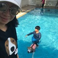 Foto tomada en Sa-by-jai Dog Swimming Pool por Vicky Onthira B. el 5/1/2017