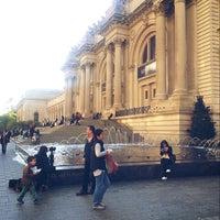 10/30/2014 tarihinde Mo7ammad A.ziyaretçi tarafından The Costume Institute @ The Metropolitan Museum of Art'de çekilen fotoğraf