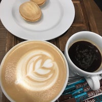 Снимок сделан в Coffee Door пользователем Darina G. 8/29/2018