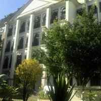 Photo taken at Universidade Federal do Estado do Rio de Janeiro (UNIRIO) by Lara T. on 2/22/2013