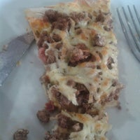 Photo taken at A Favorita Pizzaria by Ederson W. on 11/14/2013