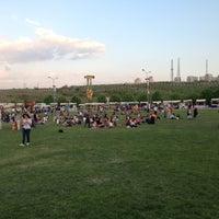 5/4/2013 tarihinde Taha S.ziyaretçi tarafından Bilkent Mayfest Çim Alanı'de çekilen fotoğraf