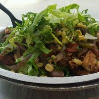 รูปภาพถ่ายที่ Chipotle Mexican Grill โดย Bill S. เมื่อ 9/15/2016