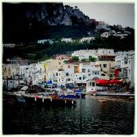 รูปภาพถ่ายที่ Marina Grande โดย Hidemaro I. เมื่อ 7/14/2013
