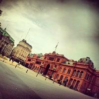 Foto tirada no(a) Plaza de Mayo por Grazy A. em 10/28/2012