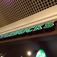 4/12/2013 tarihinde Esma S.ziyaretçi tarafından Starbucks'de çekilen fotoğraf