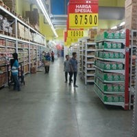 Photo taken at Carrefour by Mathius Minto K. on 7/10/2016