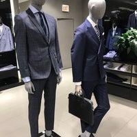 4/21/2018 tarihinde Michael R.ziyaretçi tarafından BOSS Store'de çekilen fotoğraf