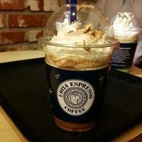 Photo taken at EDIYA COFFEE by Kyungtae. K. on 10/2/2013