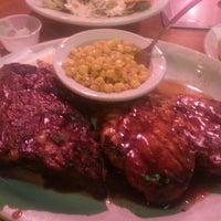 Photo taken at Texas Roadhouse by Khamphou P. on 3/6/2013