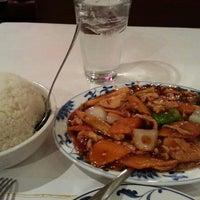 Снимок сделан в Szechwan Chinese Restaurant пользователем Khamphou P. 3/2/2013