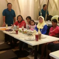Photo taken at Qua-Li Noodle & Rice by poetry a. on 9/10/2015