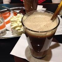 Das Foto wurde bei Cafe Cappuccino von Duygu S. am 6/5/2014 aufgenommen