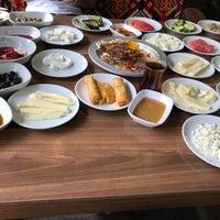 4/21/2018 tarihinde Selman D.ziyaretçi tarafından Meşhur Kahvaltıcı Kadri'de çekilen fotoğraf