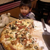 Photo taken at Mancino's Pizza & Grinders by Danica Lea O. on 11/19/2013