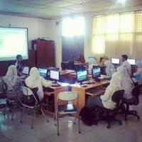 Photo taken at SMA Negeri 10 Padang by budi s. on 2/5/2013