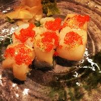 Foto tomada en 99 Sushi Bar por Andy B. el 11/20/2014
