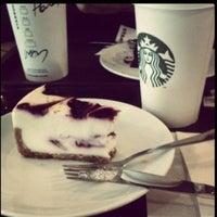 8/29/2013 tarihinde Mine K.ziyaretçi tarafından Starbucks'de çekilen fotoğraf