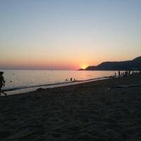 Foto scattata a Kleopatra Plajı da Diyar B. il 7/29/2013