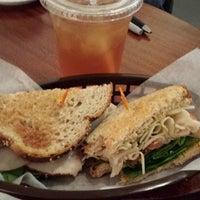Foto tomada en Wynwood Cafe por James E. el 11/4/2013