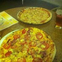 Foto tomada en Pizza Einstein por Татьяна А. el 5/8/2013