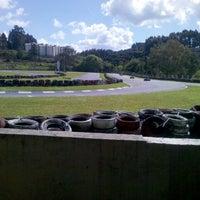 Photo taken at Kartódromo Internacional de Farroupilha by Allan R. on 10/6/2013