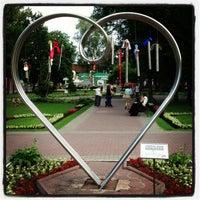 Снимок сделан в Сад «Эрмитаж» пользователем Дмитрий Т. 6/24/2013
