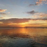 Foto tomada en Roxas Boulevard por blitzkriëg el 1/8/2013