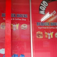 Photo taken at Burger House by Fazle R. R. on 7/10/2013